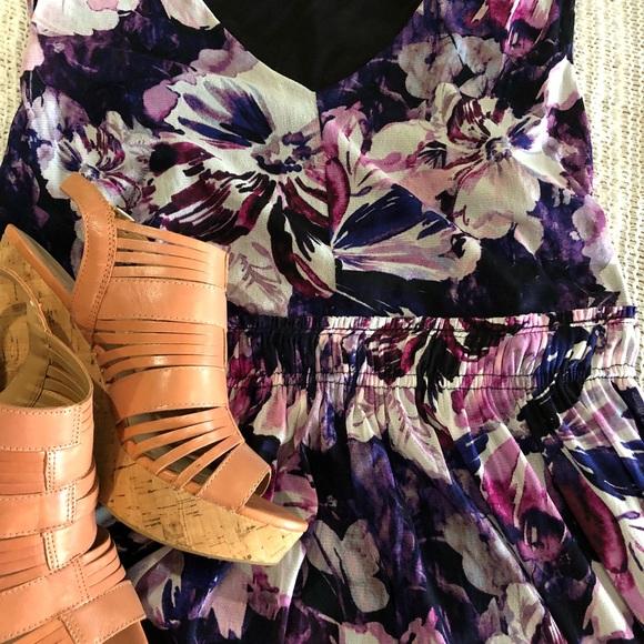 Simply Vera Vera Wang Dresses & Skirts - Simply Vera Wang sleeveless dress